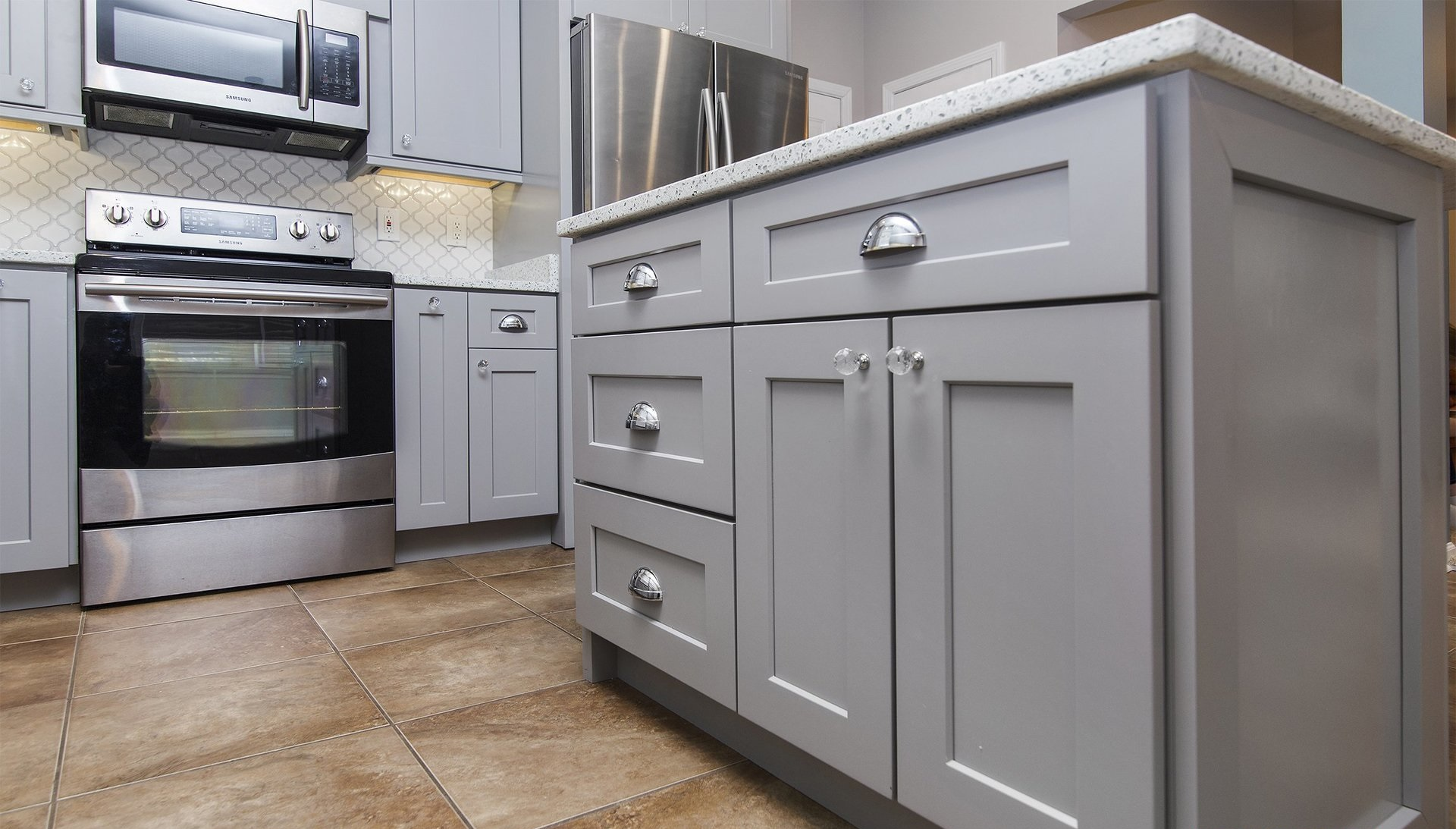 Grey Kitchen Cabinets Design Ideas With Grey Cabinets